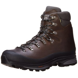 Top 10 Best Hiking Boots For Long Distance Trails!